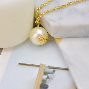 Tory Burch Simple Golden Logo Pearl Necklace